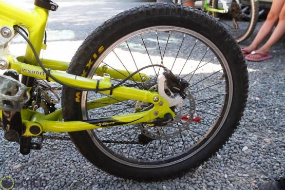Rear disc brakes.